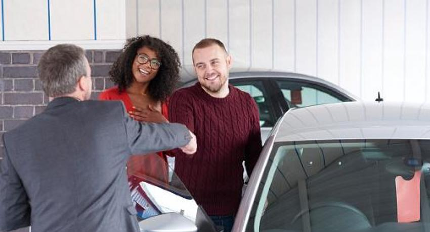 couple buying first car